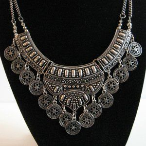 Silver Tone SouthWest Style Bib Necklace